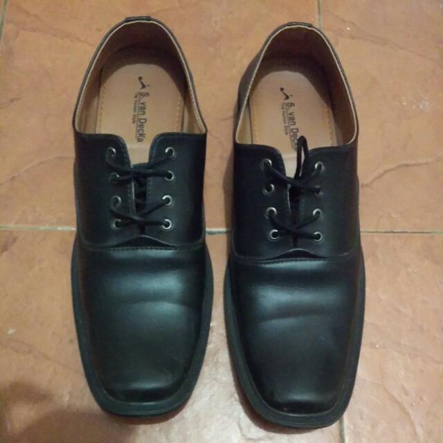 Sepatu Fantofel Van Decka
