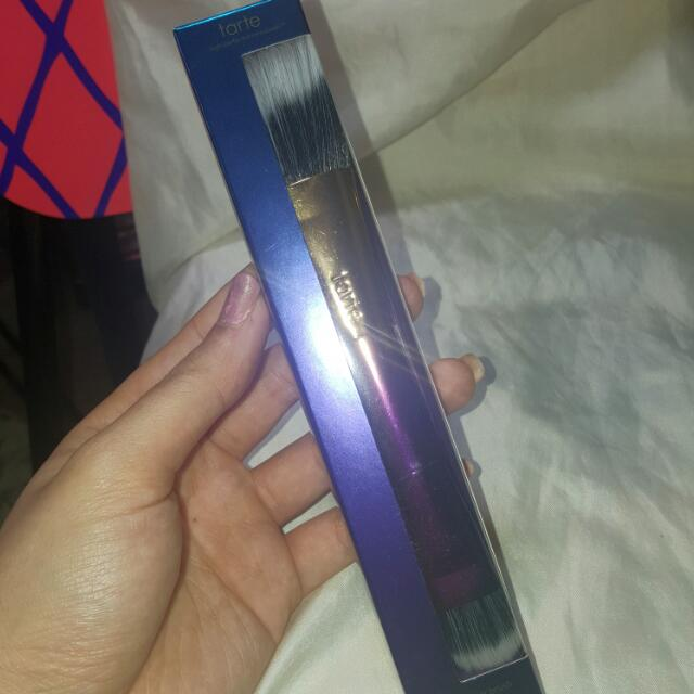 Tarte Double Ended Highlighter Brush. Rrp $48
