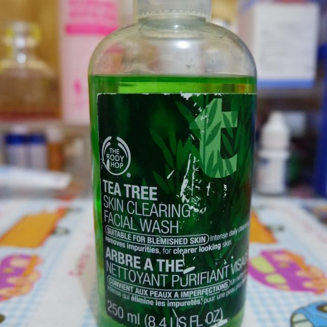 The Body Shop Tea Tree Skin Clearing Facial Wash 250 ml