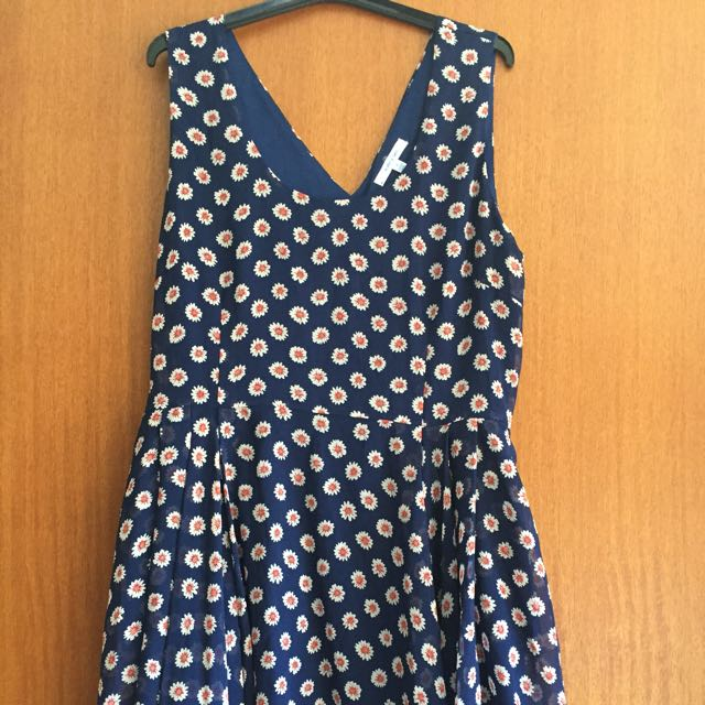 Valley Girl Size 10 Blue Floral Dress