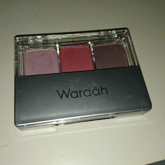Wardah Eye Shadow Seri B DD15A Ungu Maroon, Health & Beauty, Makeup on Carousell