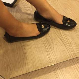 SYMBOLIZE FLATS Size 37