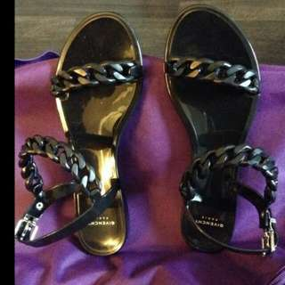 Authentic GIVENCHY JELLY CHAIN LINK FLAT SANDAL BLACK