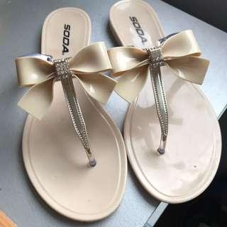 Pretty Nude Flip Flops (summer!)