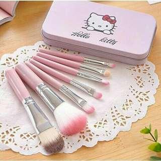 Hello Kitty 7 pcs cosmetic brush make up set