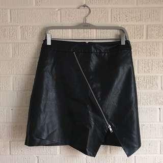 1X F21+ Faux Leather Zip Mini Skirt