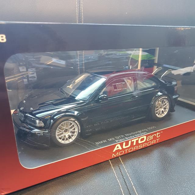 1/18 Autoart BMW M3 GTR Nurburgring 2005 Plain Body Version
