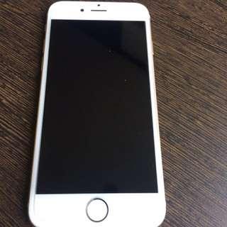 iPhone I6 金色64G 誠可議價(二手)