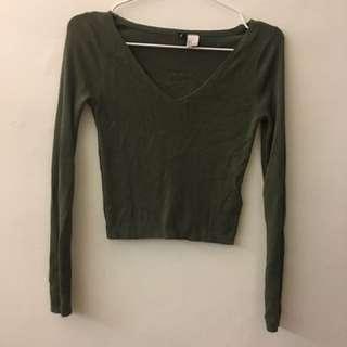 H&M墨綠色針織短版衫