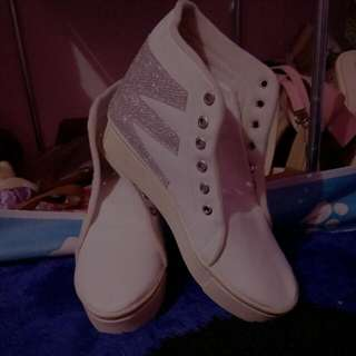 Sepatu Second Kece