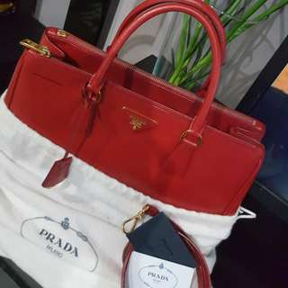 MARKED DOWN !!! Authentic PRADA SAFFIANO BN2274