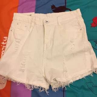 全新白色短褲