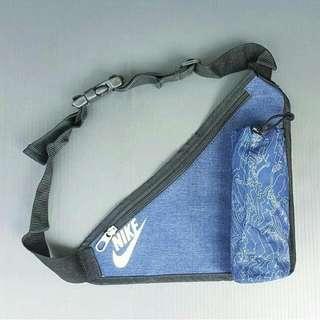 Tas Nike Slingbag Corak Blue Jeans