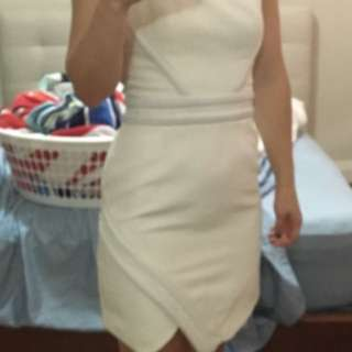 Camilla And Marc White dress Size 10