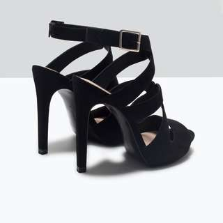 Black Zara Heeled Sandals (size 6.5)