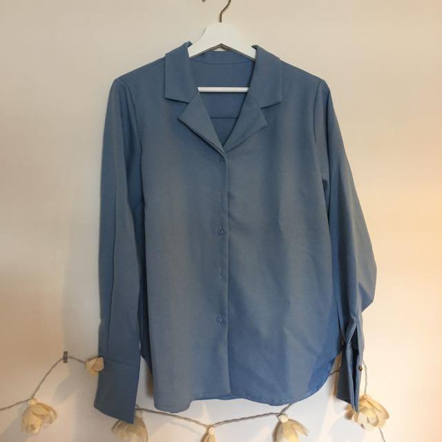 灰藍色襯衫