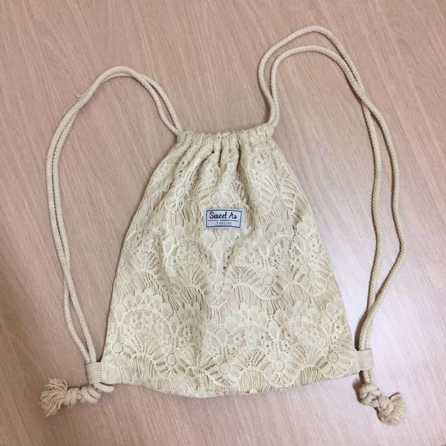 七成新泰國手工蕾絲結繩帆布米色束口袋後背包渡假海島海灘