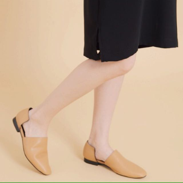 左右缺口平底鞋