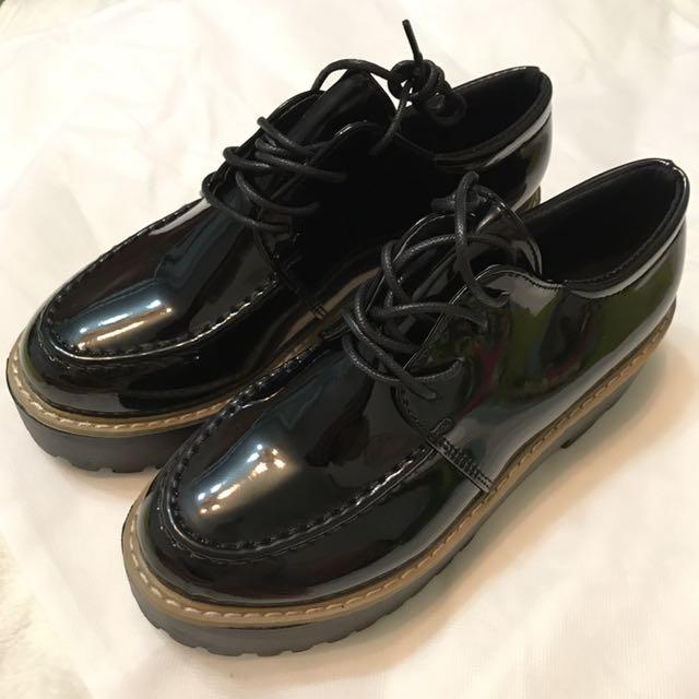 全新✨亮皮厚底鞋