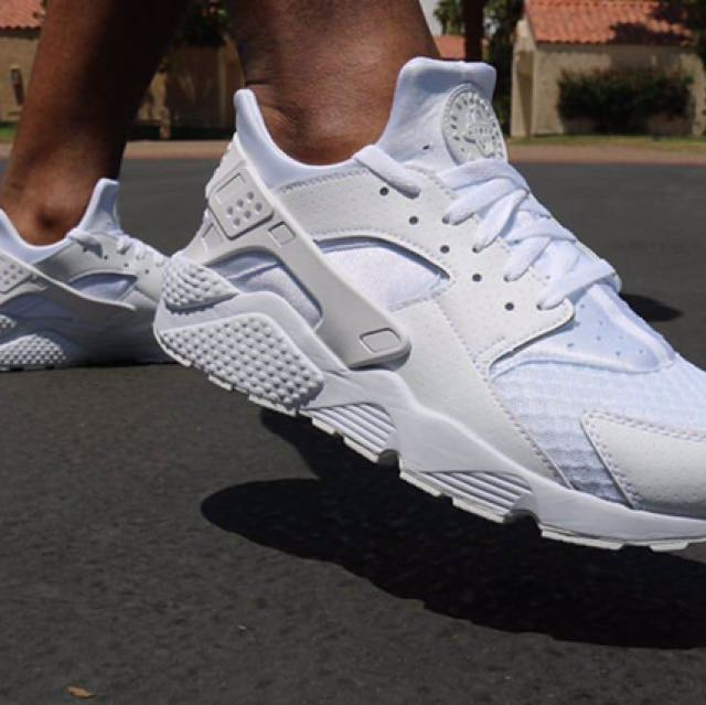 AUTHENTIC Nike Huarache Triple White