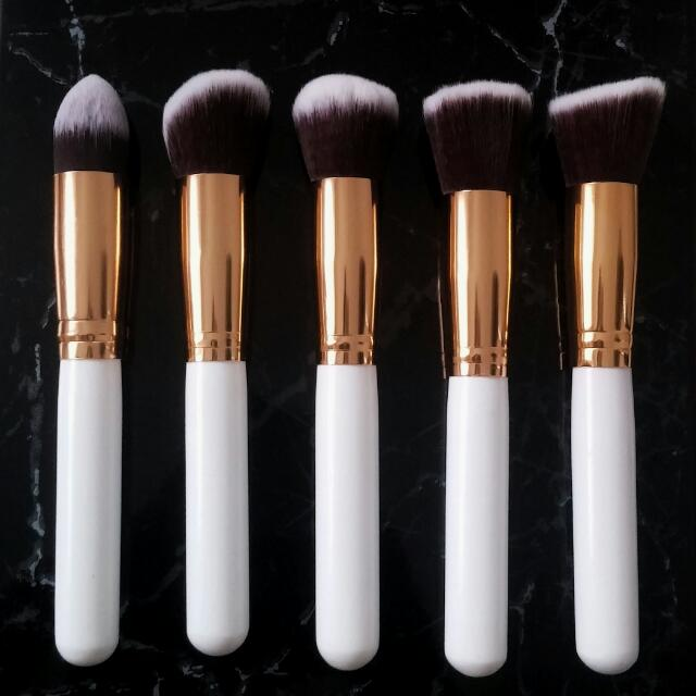BETTY BRUSH SET