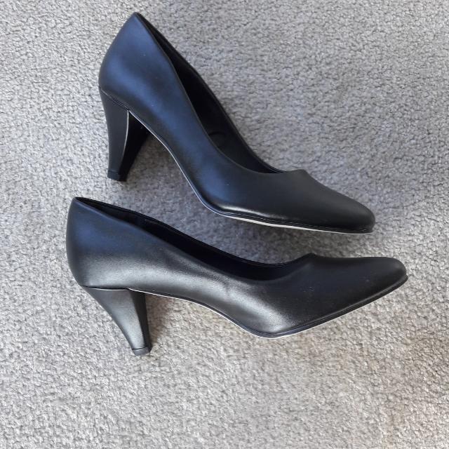 Black Basic Heels Size 6