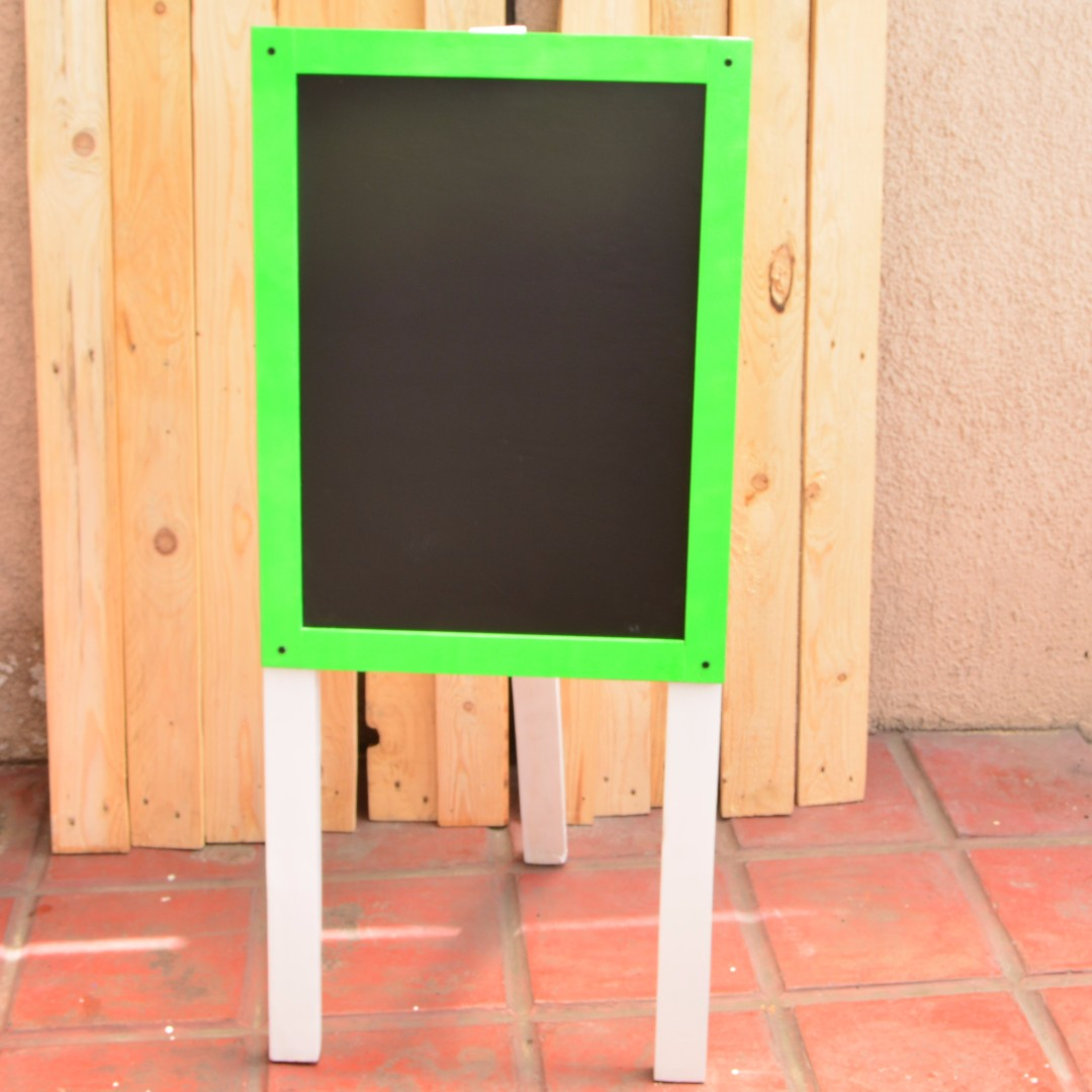 Chalkboard with stand Green