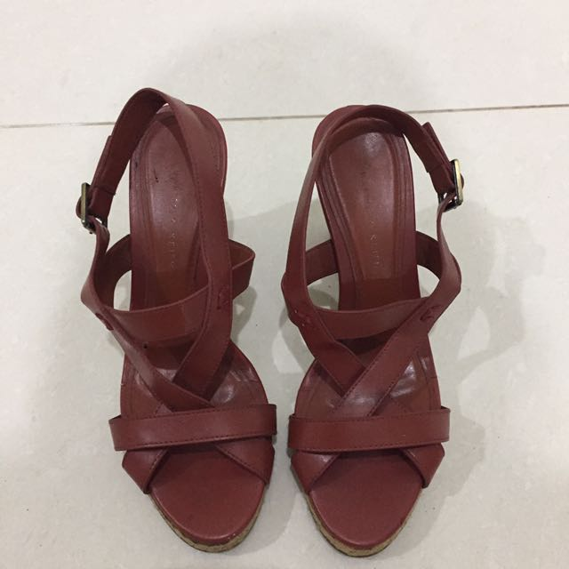 Preloved Charles and Keith Wedges