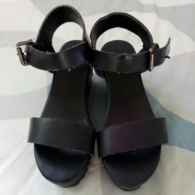 Dotti Black Heels