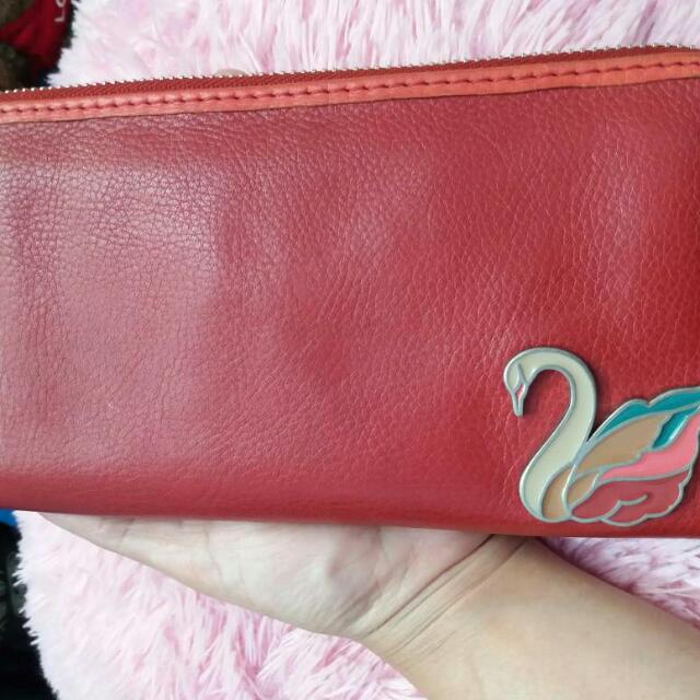 FOSSIL DOMPET SWAN MERAH