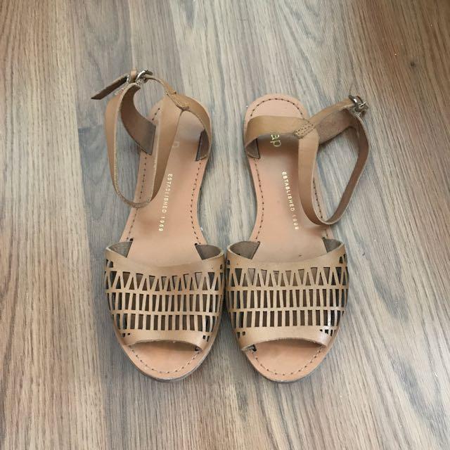 Gap Leather Sandals Size 6