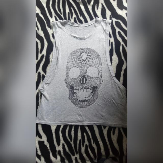 Gray Skull Muscle Top