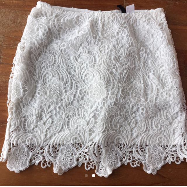 H&M Crochet Lace White Skirt