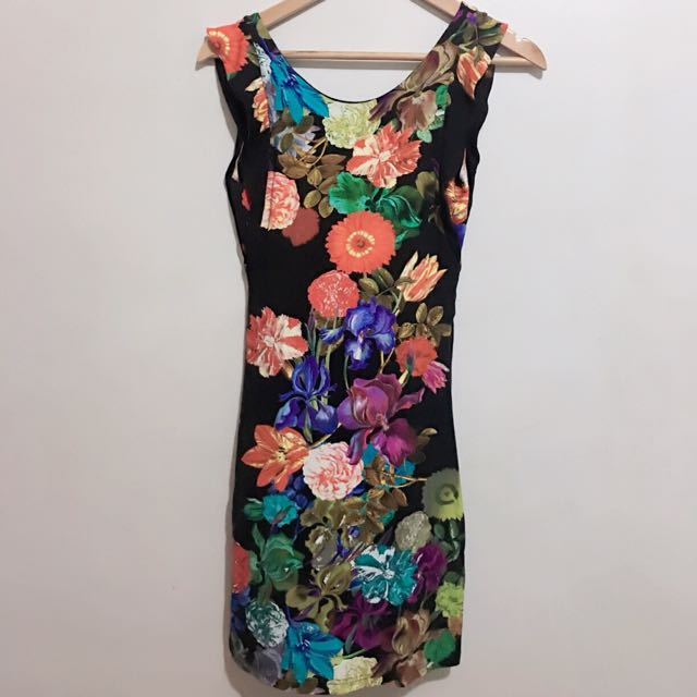 Kamiseta Lower Back Floral Dress
