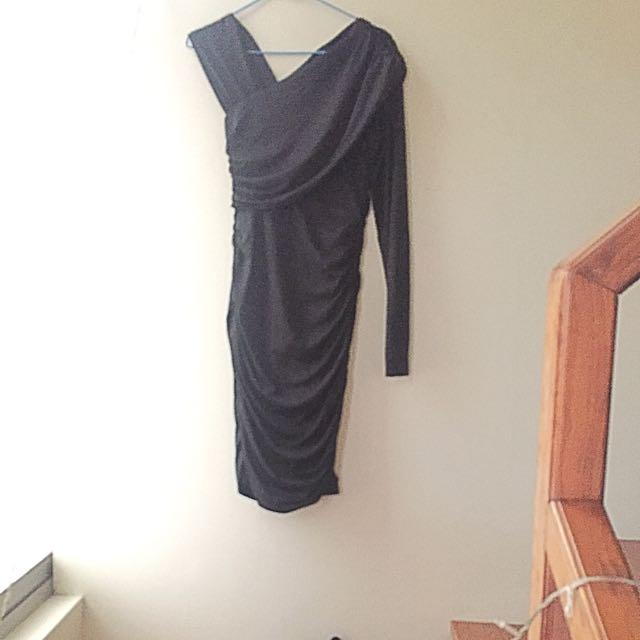 Little Black Dress / 黑色的裙子