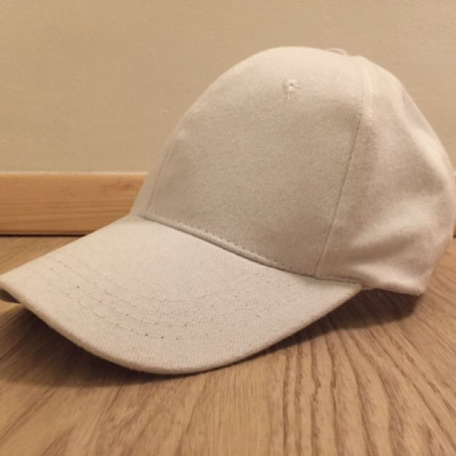 (NO BRAND) WHITE HAT
