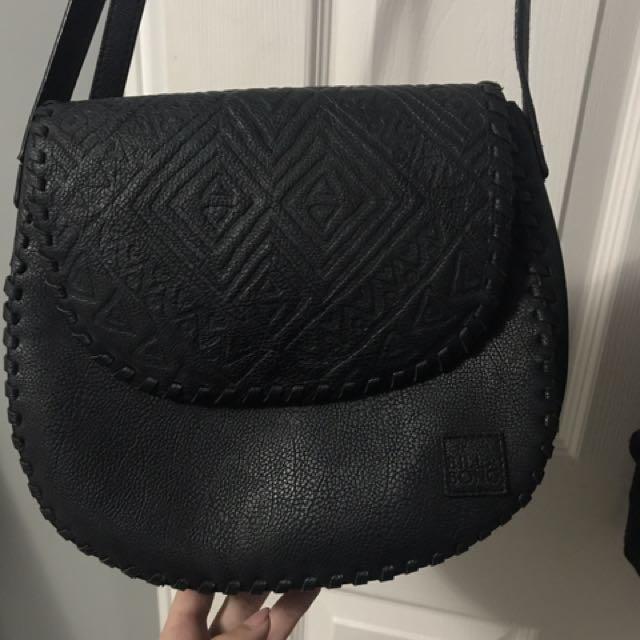 Over the shoulder billa bong purse