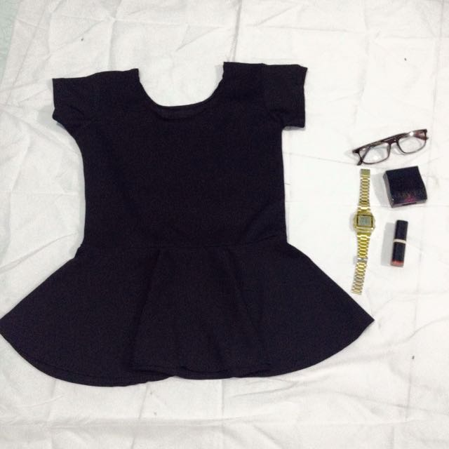 PEPLUM TOP IN BLACK