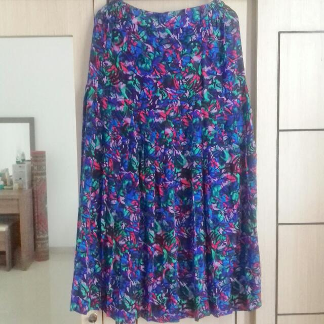 Preloved Rok Vintage Motif Abstrak