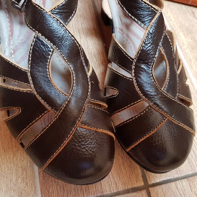 Sepatu N Soft Size 40