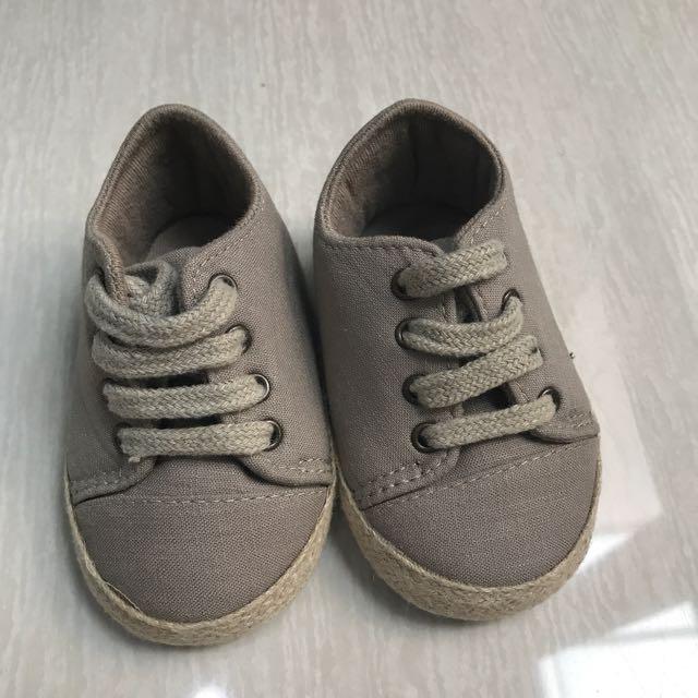 Sepatu Prewalker Mothercare e75d356474