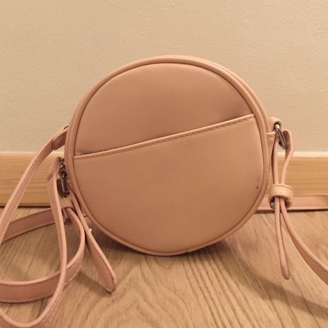 SOMETHING BORROWED PINK ROUND SLING BAG
