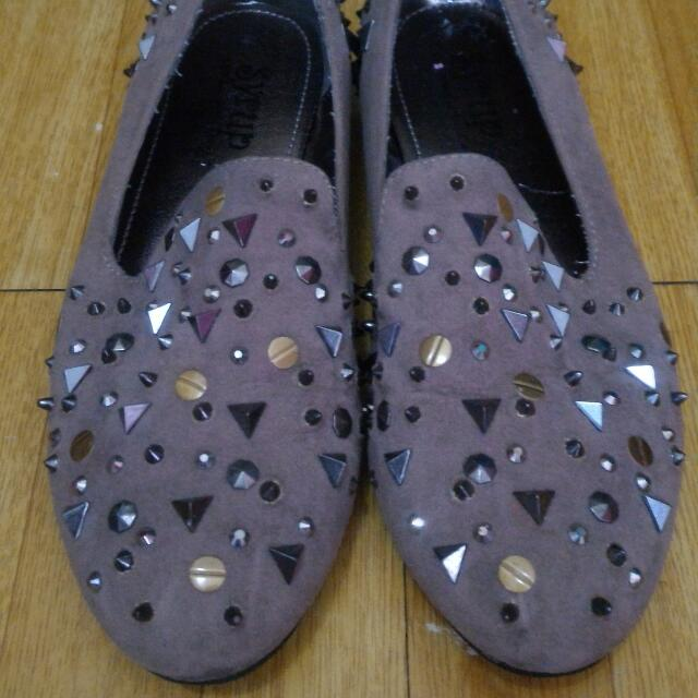 Syrup studded shoes