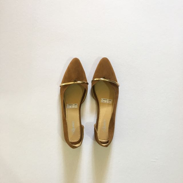 Tan Gold Pointed Flat Shoes