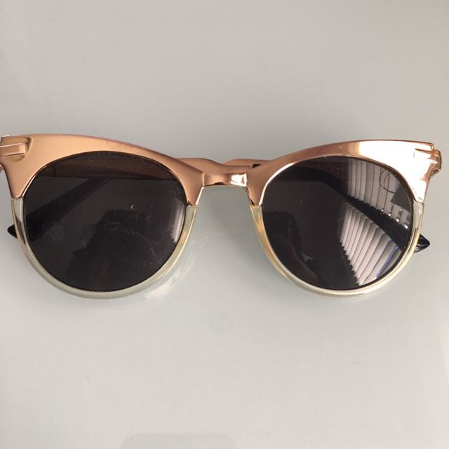URBAN OUTFITTERS SPITFIRE GOLD CAT EYE SUNGLASSES