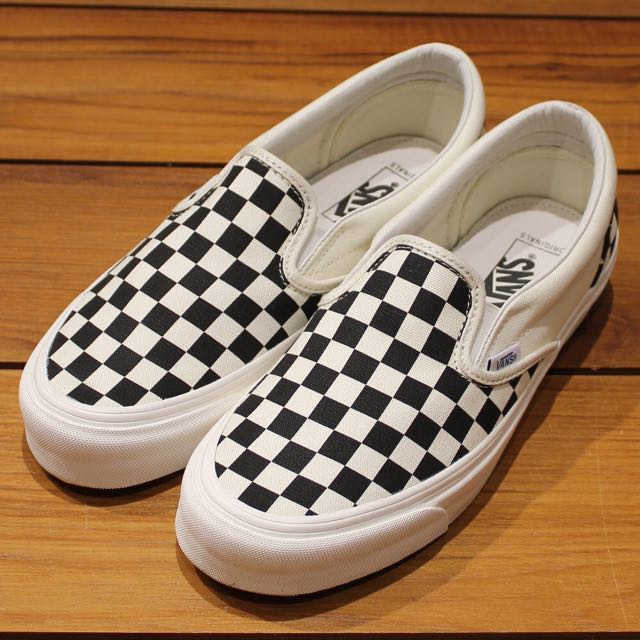 6ca349e57236 VANS VAULT OG CLASSIC SLIP-ON LX CHECKERBOARD WHITE BLACK