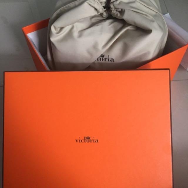 VICTORIA Lindy Handbag