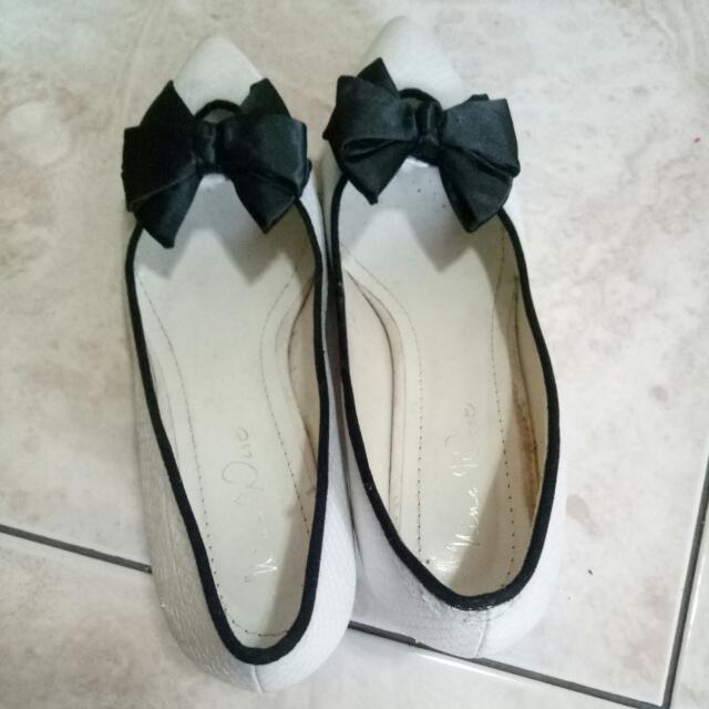 White Heel Shooes