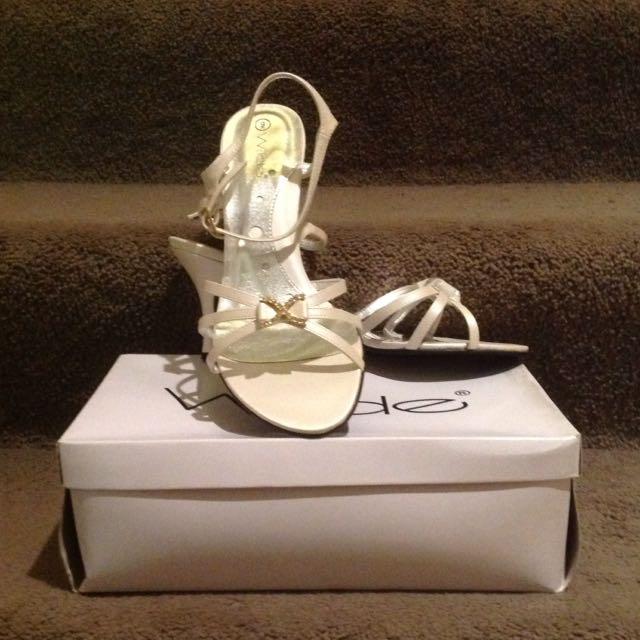 Wilde Suri Pearl White Heels