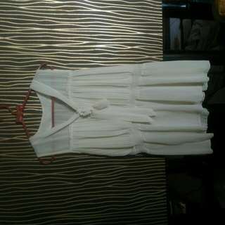 Blouse Broken White Tank Top Atasan Wanita